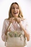 Frauen-Holding-Bargeld gefüllter Fonds Lizenzfreies Stockbild