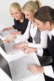 Frauen im Geschäft stockfoto
