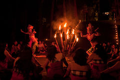 Frauen Kecak Feuer-Tanz Stockfotos