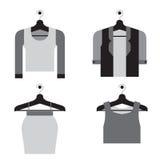 Frauen-Kleidung auf Aufhänger Lizenzfreie Stockfotografie