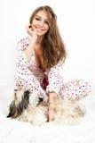 Frauen mit Hund. Lizenzfreie Stockfotos