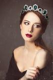 Frauen mit Krone stockfotos