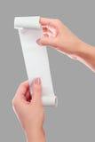 Frauen-oder Mädchen-Griff in der Handrolle des Papiers mit Druckempfangs-Spott herauf Schablone Säubern Sie Modell Kann in Artike Lizenzfreie Stockbilder
