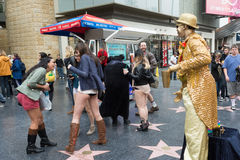 Frauen ohne Hosen in Hollywood während Lizenzfreie Stockfotos