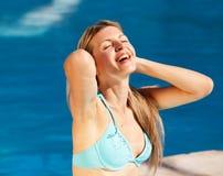 Frauen-Pool entspannen sich Stockbilder