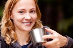 Frauen-Portrait im Freien Lizenzfreie Stockfotos