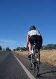Frauen-Radfahren Lizenzfreie Stockfotos