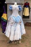Frauen ` s Renaissance-Kleider und Kleider lizenzfreie stockbilder