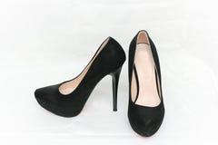 Frauen ` s Schuhe sind schwarz Stockfotografie
