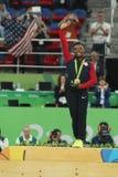 Frauen ` s vielseitiger Gymnastikmeister in Rio 2016 Olympische Spiele Simone Biles Team USA während der Medaillenzeremonie stockbilder