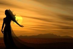 Frauen-Schattenbild-Sonnenuntergang-Wüste Stockfotos