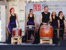 Frauen-Trommel-Band am Festival Lizenzfreie Stockbilder