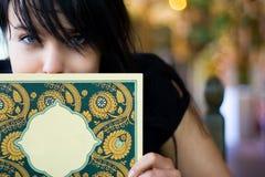 Frauen und Anstrichkarte Stockfoto