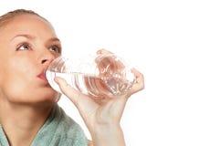 Frauen-und Wasser-Flasche Lizenzfreies Stockbild