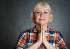 Frauenabbildung Beten Lizenzfreie Stockfotografie