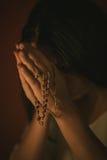 Frauenabbildung Beten Stockbild