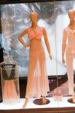 Frauenabnutzungsshop - Dubai-Mall stockfotos