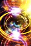 Frauenauge und -musik merkt und kosmischer Raum mit Sternen abstrakter Farbhintergrund und gelbes Licht, Feuerkreis Auge Lizenzfreies Stockfoto