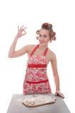 Frauenbacken im Studio lizenzfreies stockbild