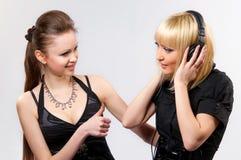 Frauenbrunette und -blondine Lizenzfreies Stockfoto