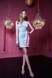 Frauendamen-Mode-Modell-Abnutzung s des schönen sexy hübschen Gesichtes blonde Lizenzfreie Stockbilder