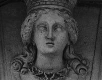 Frauenfigur mit Krone Lizenzfreie Stockfotos