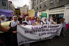 Frauenfriedensdemonstration lizenzfreie stockfotografie