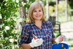 Frauengartenwerkzeug Lizenzfreie Stockfotos