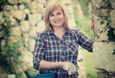 Frauengartenwerkzeug Stockbild