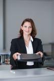 Frauengeschenkdokumente Lizenzfreie Stockfotos