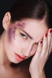 Frauengesicht mit voller Lippennahaufnahme Ð-¡ reative Make-up Stockfotos