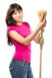 Frauenhausfrau, die Besen überprüft stockfotos