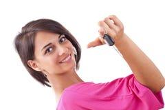 Frauenholding-Autotasten Stockfotos