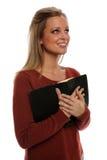 Frauenholdingbibel Lizenzfreies Stockfoto
