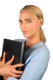 Frauenholdinglaptop Lizenzfreie Stockbilder