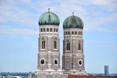 Frauenkirche在慕尼黑,我们的夫人Stadtmitte-The大教堂在慕尼黑` s老镇 图库摄影