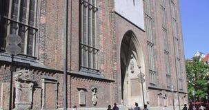 Frauenkirche, église de notre Madame dans Marienplatz banque de vidéos