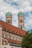 Frauenkirche Μόναχο, άποψη από το κατώτατο σημείο επάνω Στοκ Φωτογραφίες
