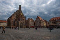 FrauenKirche en Nuremberg, Alemania (Hauptmarkt) Fotografía de archivo libre de regalías