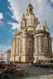 Frauenkirche i den gamla staden av Dresden Arkivfoton