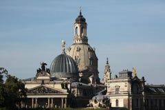 Frauenkirche och akademin av konster i Dresden, Sachsen, Ge Royaltyfri Bild