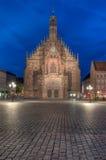 Frauenkirche på natten Arkivfoton