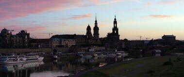 Frauenkirche; senhora; noite; quadrado; cidade; famoso; povos; turismo; história; religião; dresden; igreja; frauenkirche; Aleman Imagens de Stock