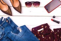 Frauenkleidungssatz und -Zubehör Lizenzfreies Stockbild