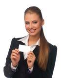 Frauenmanager mit einer Visitenkarte Lizenzfreie Stockfotos