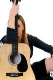 Frauenmusikgitarre lizenzfreies stockbild