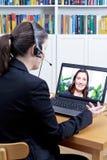Frauenon-line-Videovorstellungsgespräch Lizenzfreies Stockbild