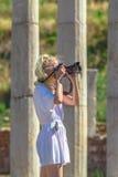 Frauenphotograph in Griechenland Lizenzfreies Stockbild
