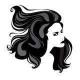 Frauenportrait mit dem großen Haar Stockfotografie