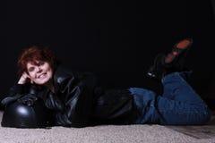 Frauenprofil auf Schwarzem Stockfoto